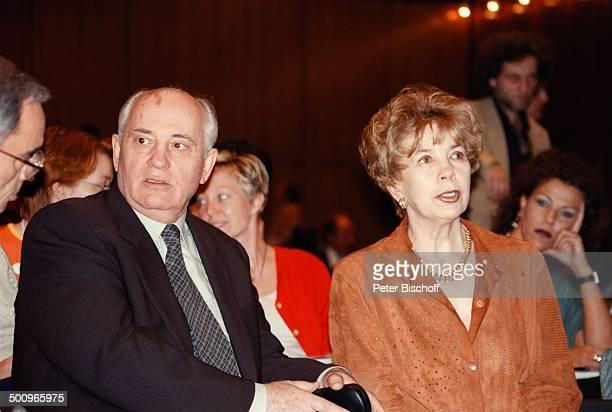 "Michael Gorbatschow, Ehefrau Raissa; ""Green; Gross""-Vorstellung, ""Popcom 1997"",; Köln-Messe, Köln 100225, Promi,,"