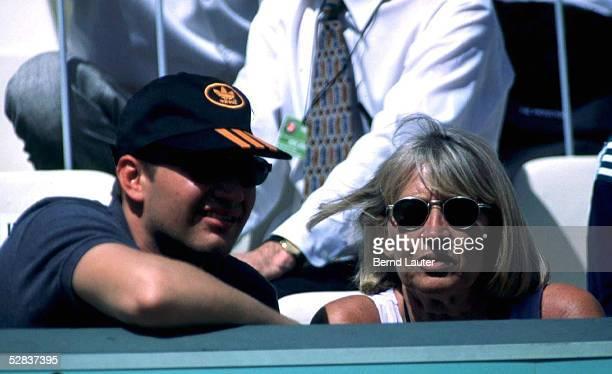 Michael GRAF mit seiner Mutter Heidi GRAF