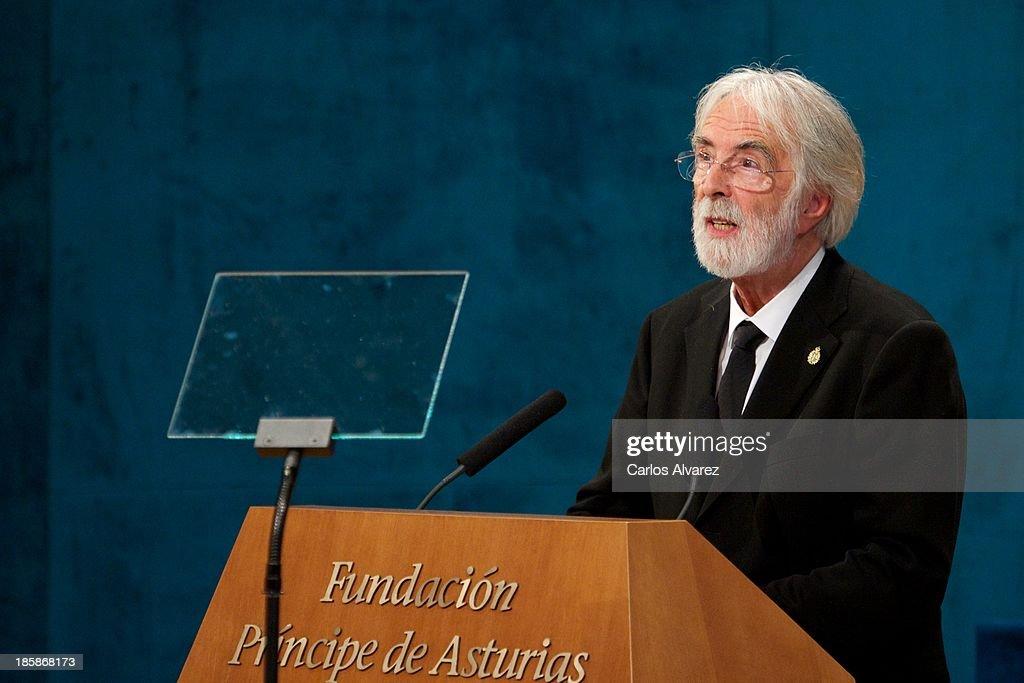 Spanish Royals Attend Principes de Asturias Awards 2013 - Gala : Fotografía de noticias