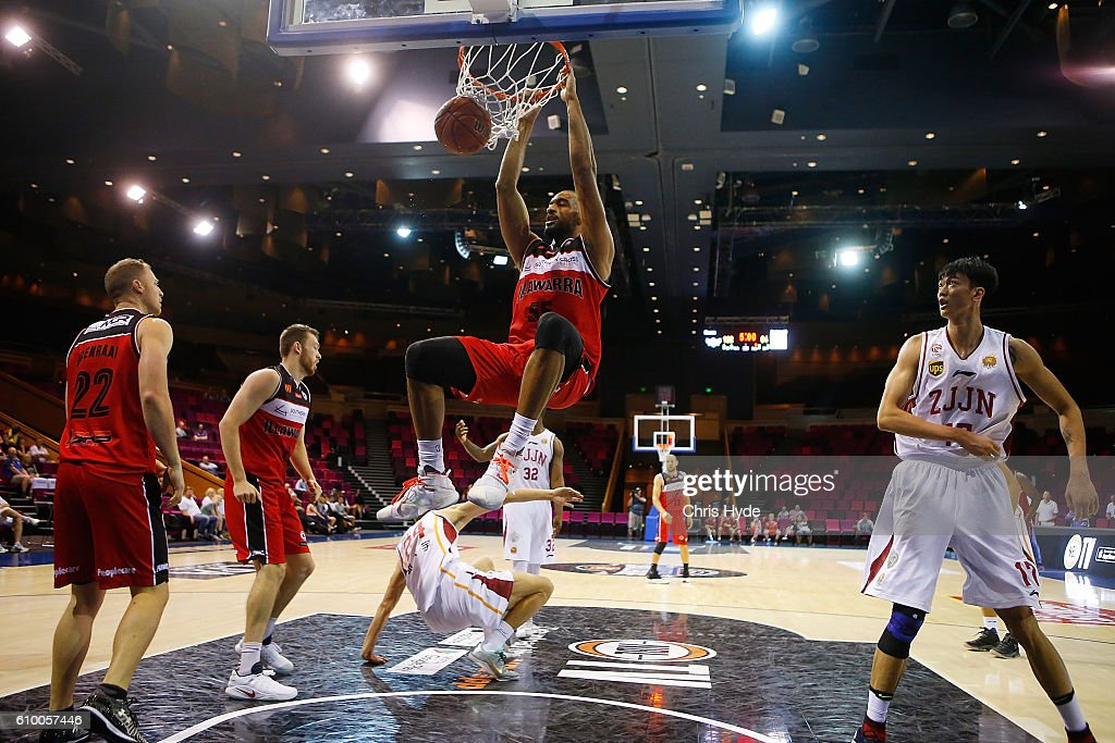 Michael Holyfield of the Hawks dunks during the Australian Basketball Challenge match between Zhejiang Gold Bulls and Illawarra Hawks at the Brisbane Convention and Exhibition Centre September 24, 2016 in Brisbane, Australia.