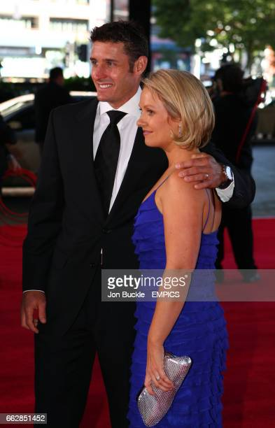 Michael Hussey and partner Amy Hussey arrive on the red carpet for the 2008 Allan Border Medal