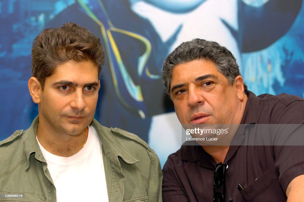 """Michael Imperioli and Vincent Pastore Promote """"Shark Tale"""" at Macys - September"""