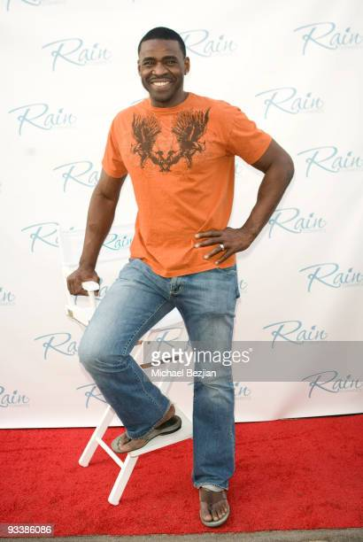 Michael Irvin attends the Dancing With The Stars Season 9 Finale Honored By Gifting Services Day 2 on November 24 2009 in Los Angeles California