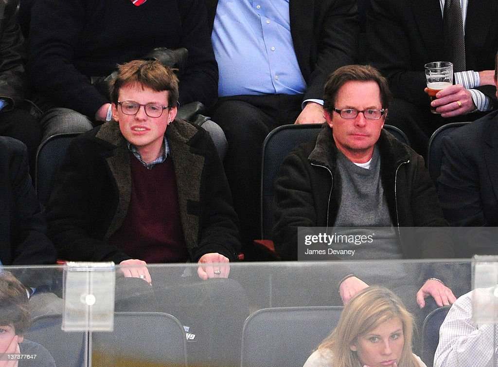 Celebrities Attend The Pittsburgh Penguins Vs New York Rangers Game - January 19, 2012 : News Photo