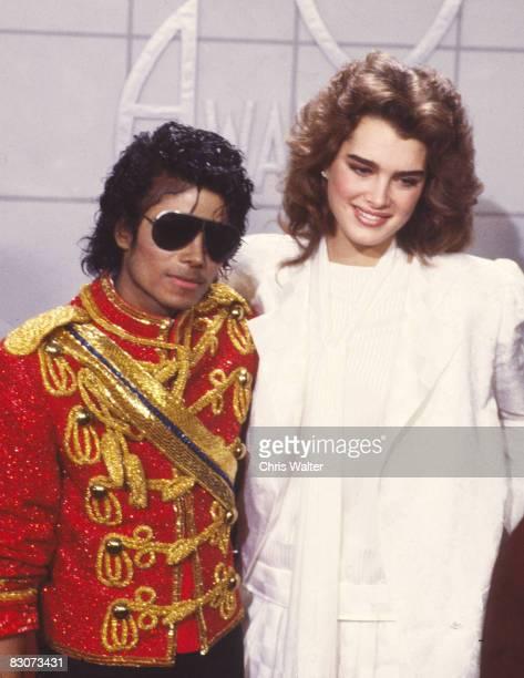 Michael Jackson 1984 American Music Awards with Brooke Shields