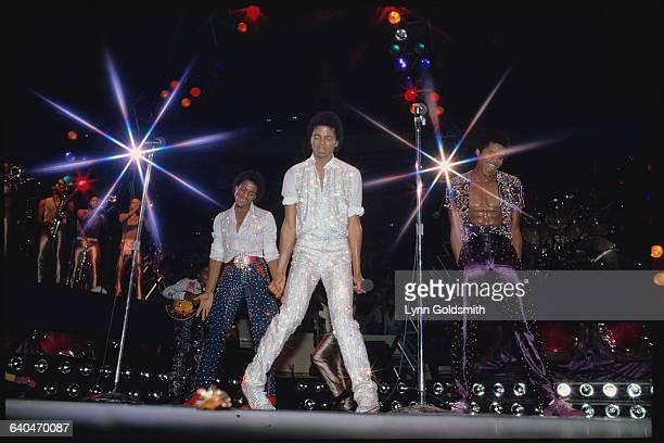 Michael Jackson and Brothers Dancing