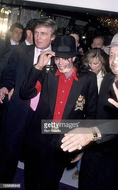 Michael Jackson and Donald Trump during Opening of Donald Trump's Taj Mahal Casino April 5 1990 at Taj Mahal Hotel and Casino in Atlantic City New...