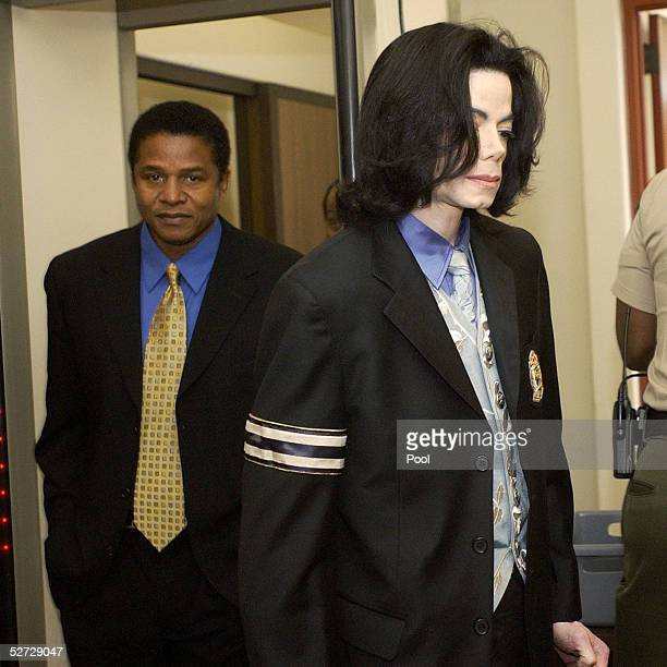 Michael Jackson and his brother Jackie Jackson return to the courtroom for Michael Jackson's child molestation trial at the Santa Barbara County...