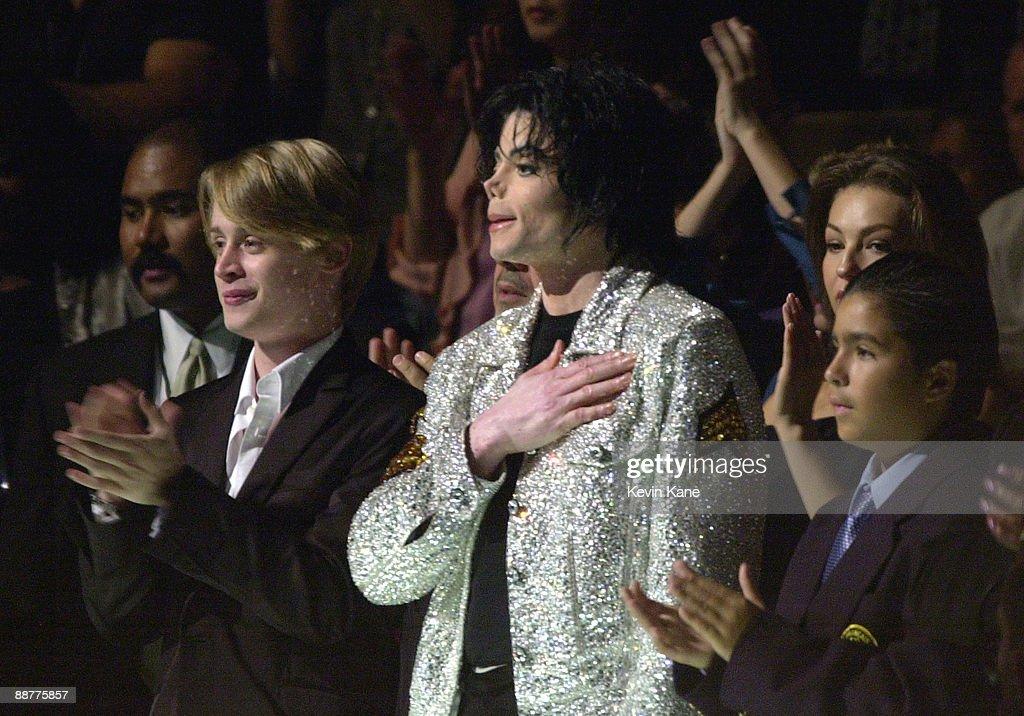 Michael Jackson's 30th Anniversary Celebration - Audience and Backstage : News Photo