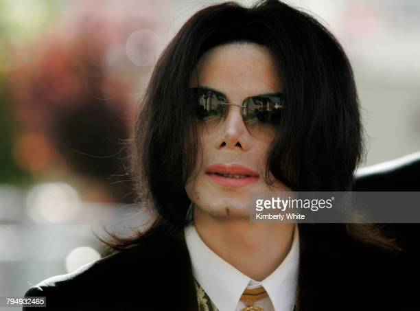 Michael Jackson arrives at a court house during his trial for child molestation in Santa Maria California