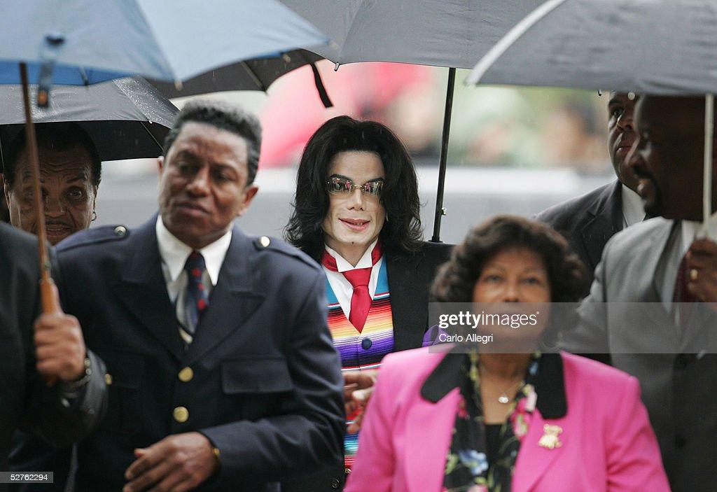 Michael Jackson Court Case Continues : News Photo