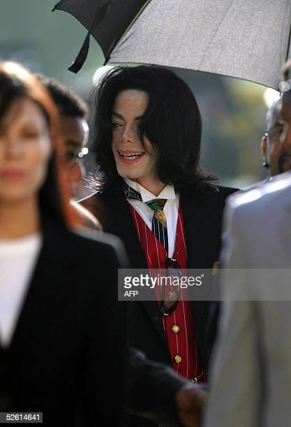 Michael Jackson arrives at the Santa Barbara County Courthouse for his molestation trial 11 April 2005 in Santa Maria California Jackson's lawyers...