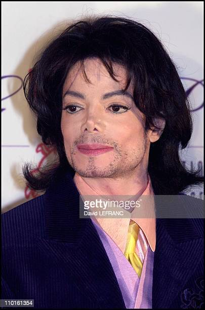 Michael Jackson at 'the Angel Ball' gala for cancer research at 'the grand ballroom' Marriott Marquis Hotel in New York United States on November 30...
