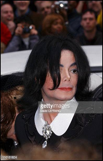 Michael Jackson at the wedding of Lisa Minelli and David Gest in New York United States on March 16 2002