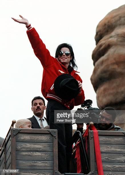 Michael Jackson MegaPopStar im Phantasialand in Brühl Hut Sonnenbrille Sänger Promis Prominenter Prominente