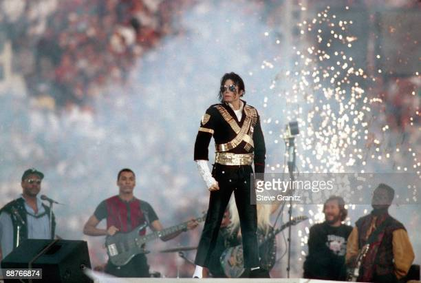 Michael Jackson performs during halftime of a 5217 Dallas Cowboys win over the Buffalo Bills in Super Bowl XXVII on January 31 1993 at Rose Bowl in...