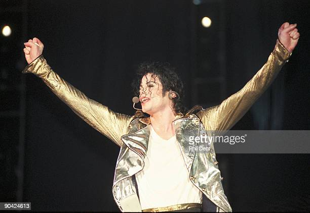 Michael Jackson performs on stage on his HIStory tour in December 1996