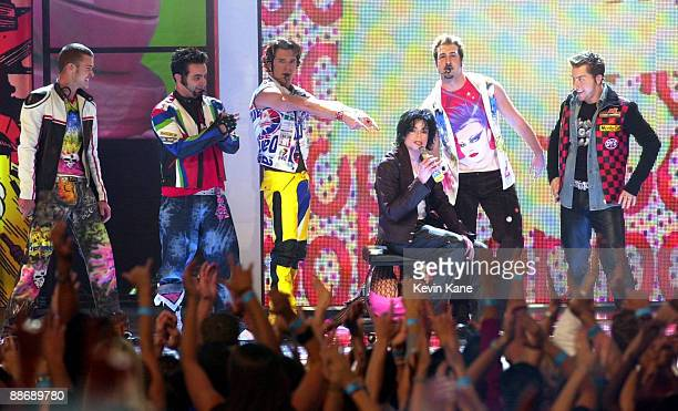 Michael Jackson Performs with *NSYNC