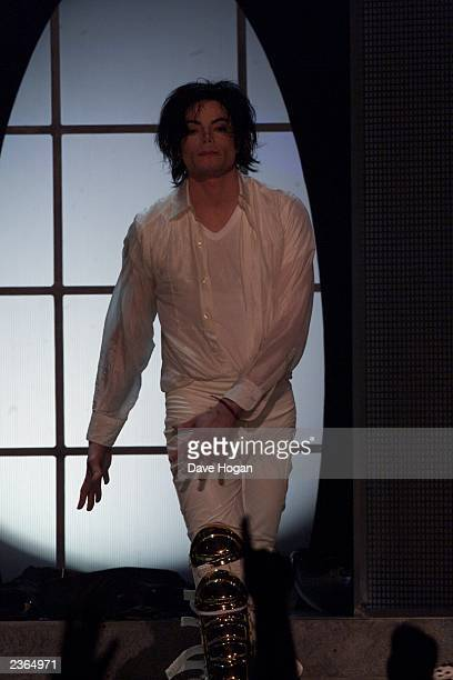 Michael Jackson sings at the Michael Jackson 30th Anniversary Celebration The Solo Years at Madison Square Garden in New York City on 9/7/2001 Photo...
