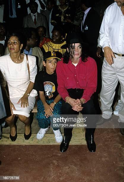 Michael Jackson Tour In Africa Libreville au Gabon 14 février 1992 A l'occasion de sa tournée africaine portrait du chanteur Michael JACKSON en...