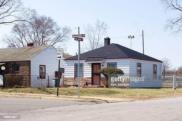 CONTENT] Michael Jackson's Childhood home 3 months before his death in Gary Indiana This was home to 11 people Joe Kathryn Rebbie LoToya Jackie Tito...