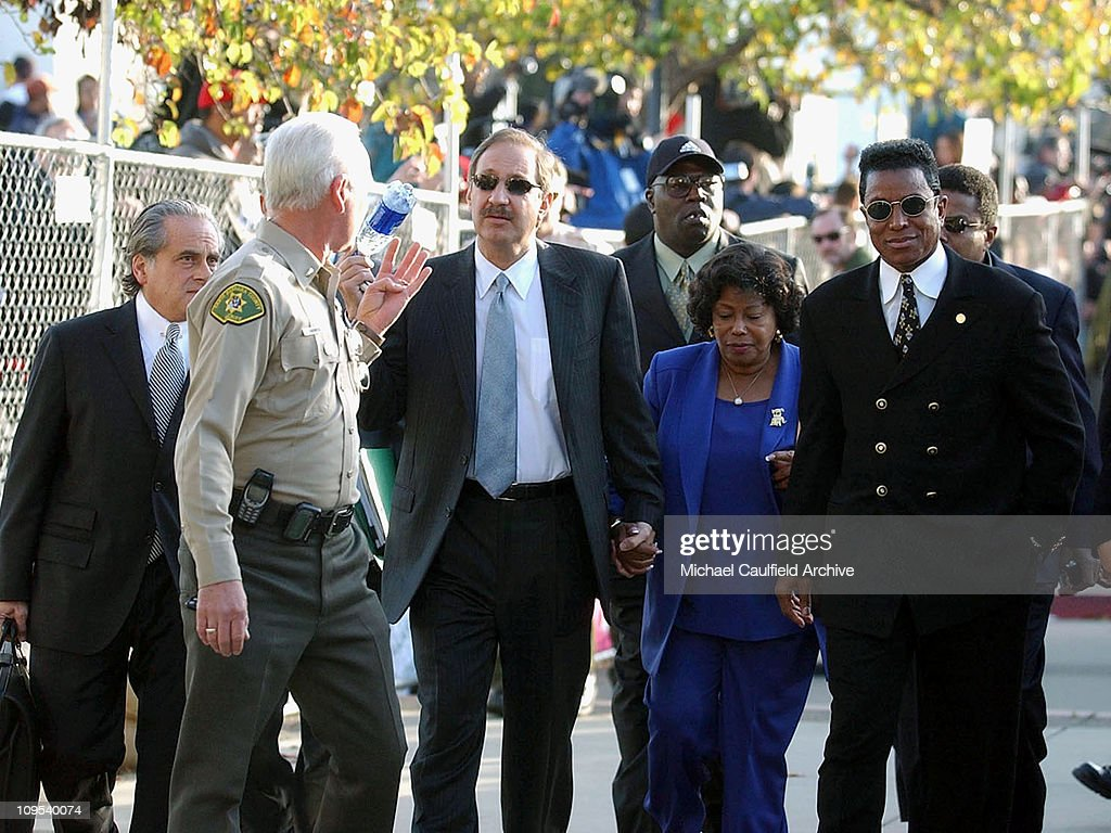 Michael Jackson Arrives at Santa Maria Court House for Arraignment in Child Molestation Charges