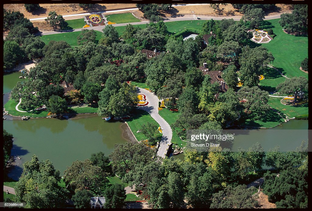 Michael Jackson's Neverland Ranch : News Photo