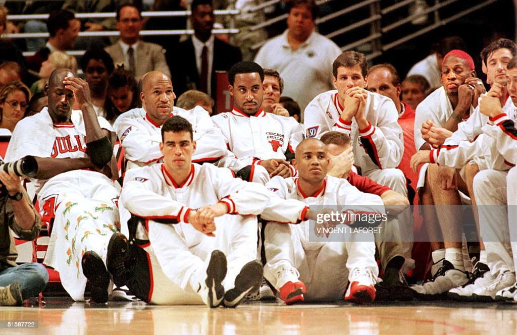 Michael Jordan (L), guard for the Chicago Bulls, D : News Photo