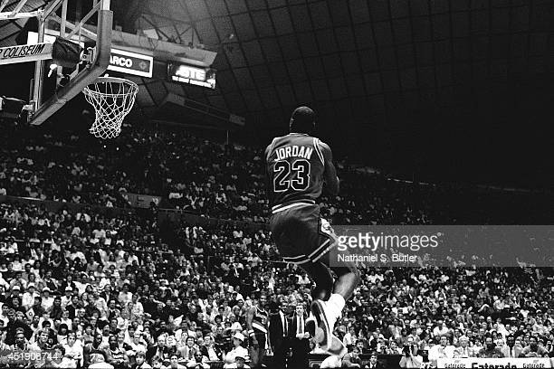 Michael Jordan of the Chicago Bulls attempts a dunk during the 1987 Slam Dunk Contest on February 7 1987 at Seattle Center Coliseum in Seattle...