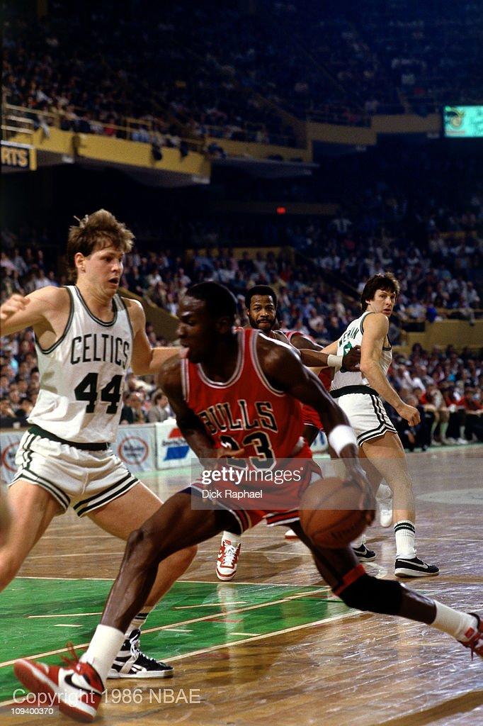 1986 Eastern Conference Playoffs: Chicago Bulls v Boston Celtics : News Photo