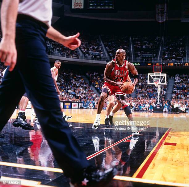 Michael Jordan of the Chicago Bulls drives against the Miami Heat on April 2 1996 at Miami Arena in Miami Florida NOTE TO USER User expressly...