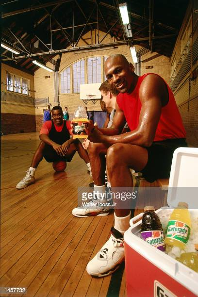 Michael Jordan of the Chicago Bulls shoots a commercial for Gatorade in 1990 NOTE TO USER User expressly acknowledges and agrees that by downloading...
