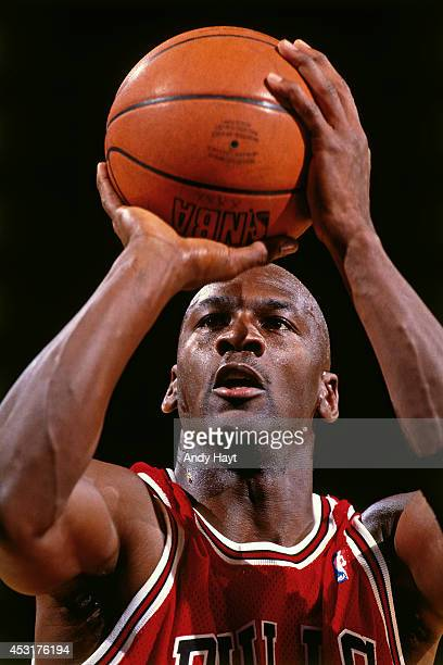 Michael Jordan of the Chicago Bulls shoots against the New York Knicks on March 28 1995 at Madison Square Garden in New York City Michael Jordan...