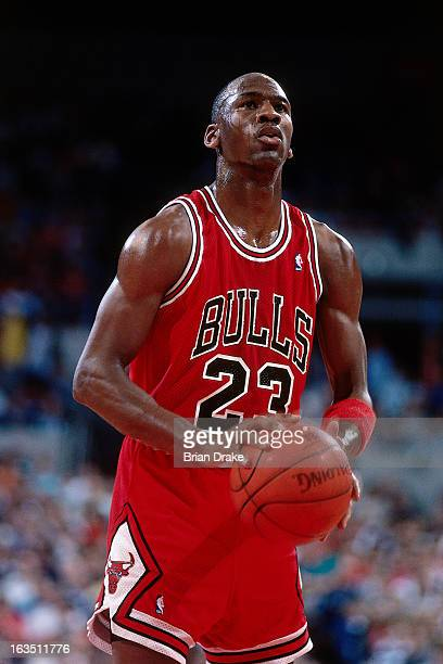 Michael Jordan of the Chicago Bulls shoots against the Portland Trail Blazers during a game played circa 1989 at the Veterans Memorial Coliseum in...