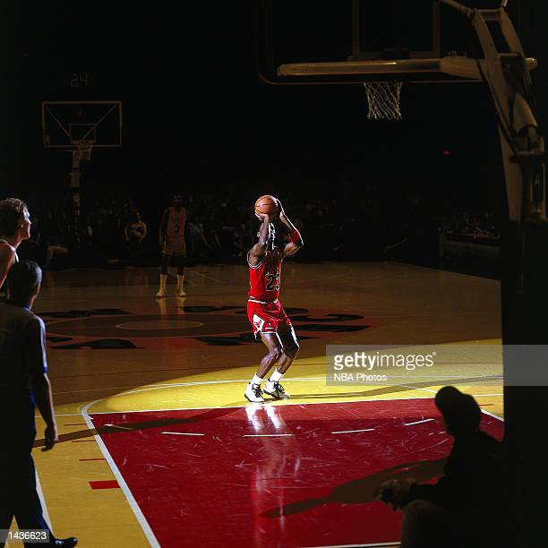 Michael Jordan of the Chicago Bulls shoots foulshot against the Baltimore Bullets in 1991 during the NBA game in Landover Maryland NOTE TO USER User...