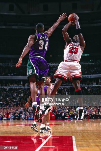 Michael Jordan of the Chicago Bulls shoots the ball against the Milwaukee Bucks on January 2 1998 at The United Center in Chicago Illinois NOTE TO...