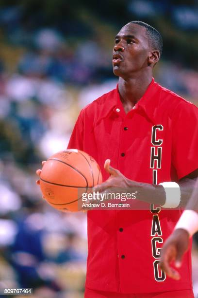 Michael Jordan of the Chicago Bulls warms up before a game against the Los Angeles Lakers played circa 1986 at the Great Western Forum in Inglewod...