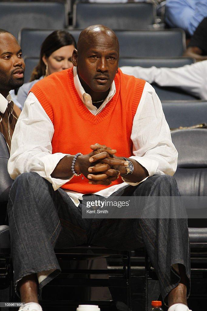 Atlanta Hawks v Charlotte Bobcats : News Photo