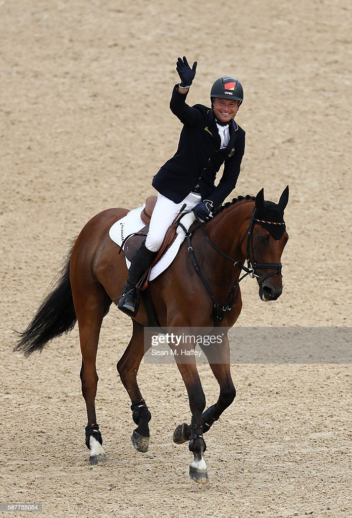 Equestrian - Olympics: Day 4 : Nieuwsfoto's
