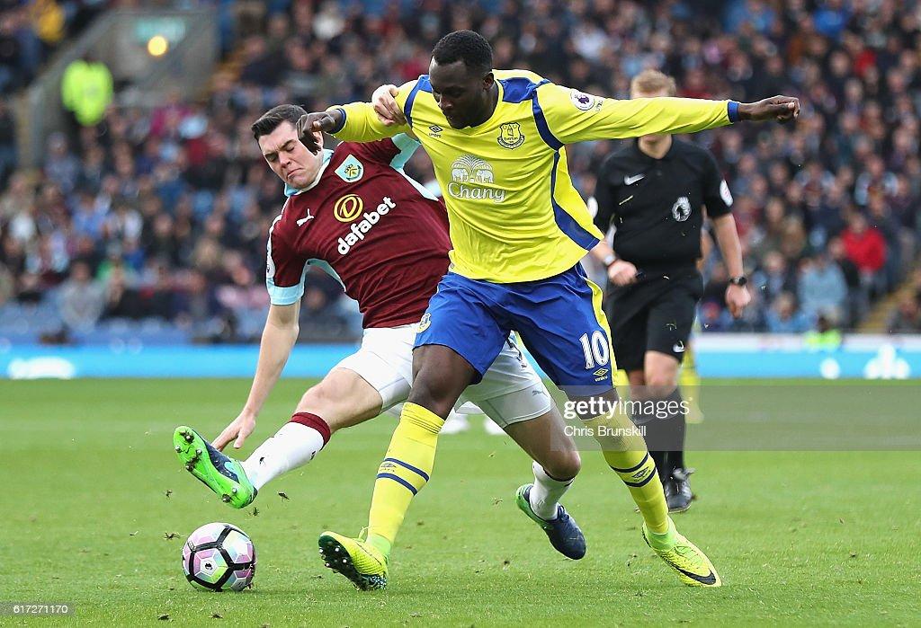 Burnley v Everton - Premier League : News Photo