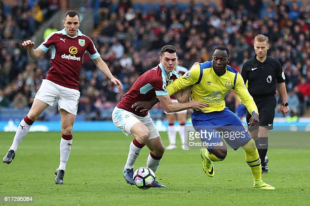 Michael Keane of Burnley in action with Romelu Lukaku of Everton during the Barclays Premier League match between Burnley and Everton on October 22...