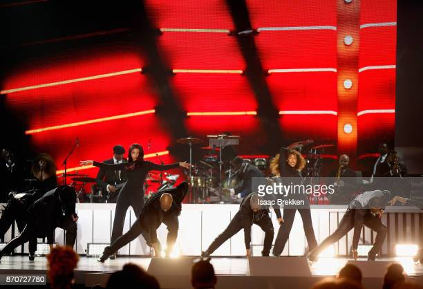 Michael Keith Daron Jones Marvin Slim Scandrick and Quinnes Q Parker of 112 perform onstage at the 2017 Soul Train Awards presented by BET at the...