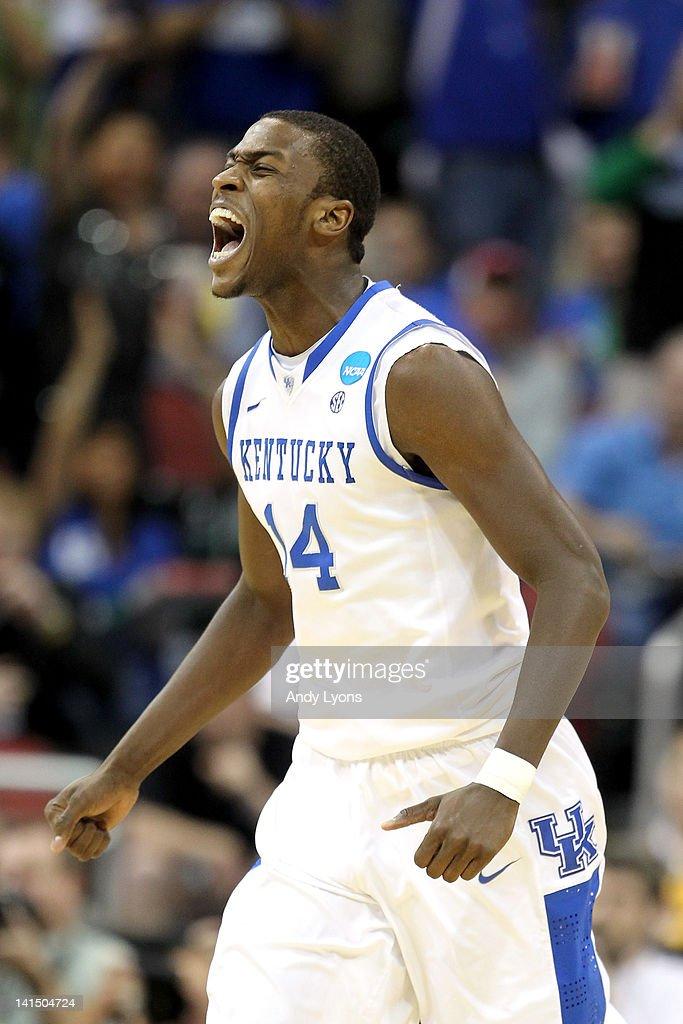 NCAA Basketball Tournament - Iowa State v Kentucky : News Photo