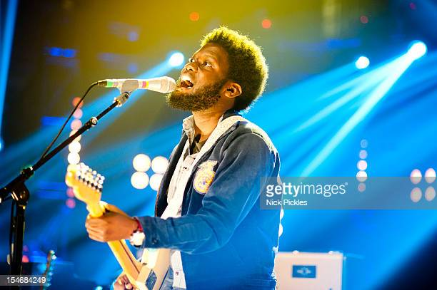 Michael Kiwanuka performs on stage for The Barclaycard Mercury Prize 'Albums of the Year Live' at LSO St Lukes on October 24 2012 in London United...