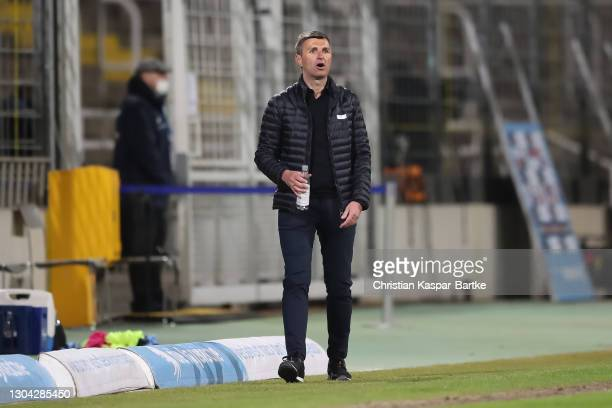 Michael Koellner, Head coach of TSV 1860 München reacts during the 3. Liga match between TSV 1860 München and SpVgg Unterhaching at Stadion an der...