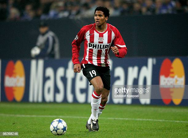 Michael Lamay of PSV Eidnhoven runs with the ball during the UEFA Champions League Group E match between Schalke 04 and PSV Eindhoven at the Arena...