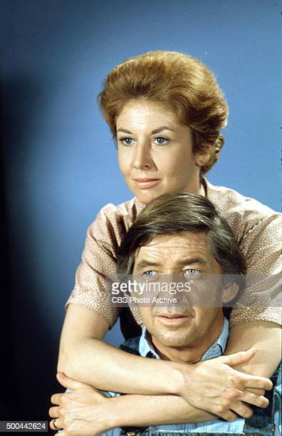 Michael Learned Ralph Waite in THE WALTONS January 1 1974