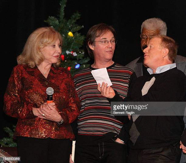 Michael Learned Richard Thomas and Eric Scott perform during the 40th Anniversary Reunion Of The Waltons at Landmark Loew's Jersey City on December 2...