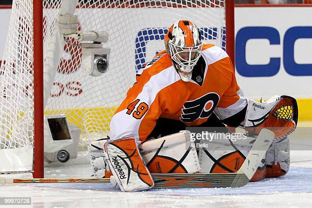 Michael Leighton of the Philadelphia Flyers makes a save against the Montreal Canadiens in Game 2 of the Eastern Conference Finals during the 2010...