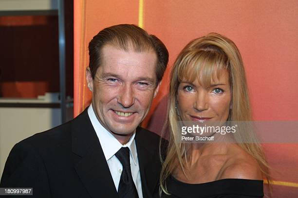 Michael Lesch Ehefrau Christina Gala zur Verleihung Deutscher Fernsehpreis 2003 Köln Coloneum Foyer Ankunft Promis Prominenter Prominente